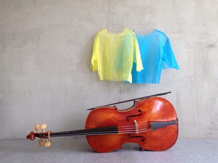 suite-MINIMALE-Cello-und-shirts-1